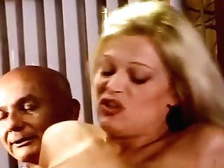 Blonde Swingers Luvs Rectal Threesome